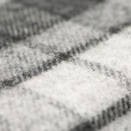 Grå skotskrutig halsduk i 100% lammull
