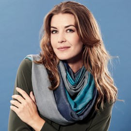 Trefärgad pashmina sjal i petrolblå och grå färger