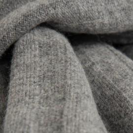 Grå ribbstickad halsduk i merino och kashmir