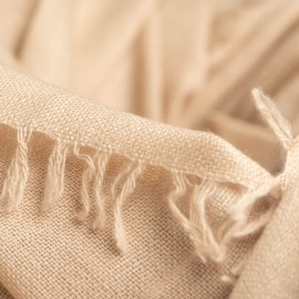 Sandfärgad sjal i handvävd kashmir