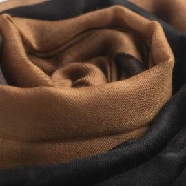 Dip-dye sjal i svart/brun