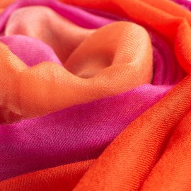 Dip-dye sjal i fuchsia/korall