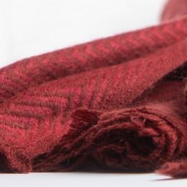 Rød scarf i fiskbensmönster i kashmir och ull
