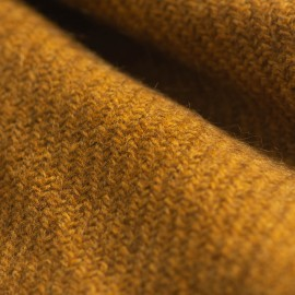Mörk gyllene yak scarf