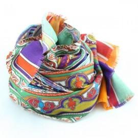 Tørklæde i orange, blåt og grønt mønster