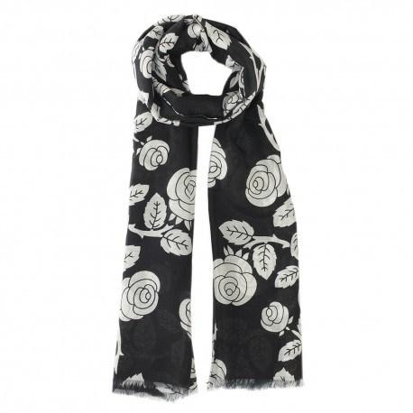Svart halsduk i siden blandning med blommor
