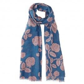 Blå halsduk i siden blandning med blommor